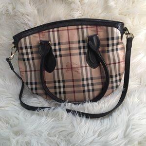 Authentic burberry shoulder bag w crossbody strap